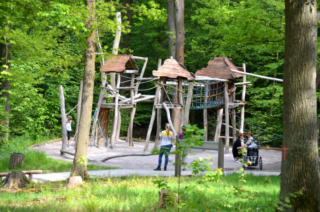 Lochmühle Spielplatz Römerparcours